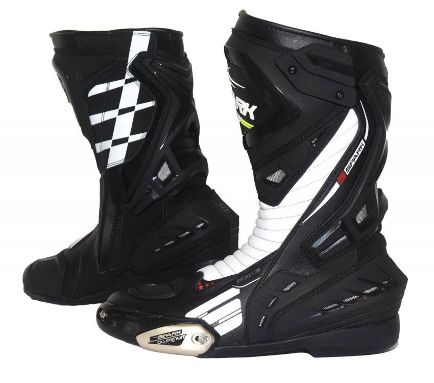 8f3acf6661dca Cestovní moto boty Spark Mugello